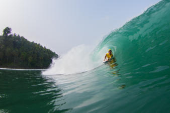 mentawai-bodyboard-waves-12