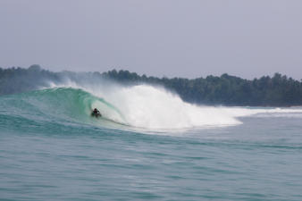 mentawai-bodyboard-waves-16