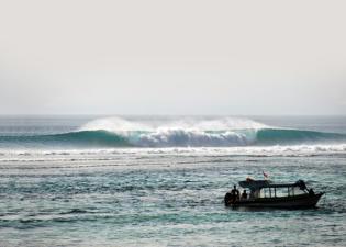 nusa-lembongan-waves-4