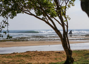 sanur-waves-10